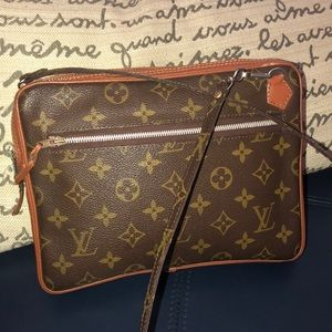 LV vintage Marly GM bandoliere
